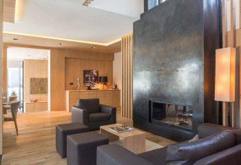 2-hotel-saleghes-wolkenstein-wellnessbereich-rezeption-eingang-peintner