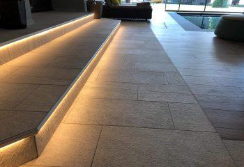 3-hotel-clara-vahrn-aussengestaltung-schwimmbad-wellness-peintner