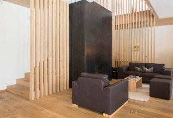4-hotel-saleghes-wolkenstein-wellnessbereich-rezeption-eingang-peintner