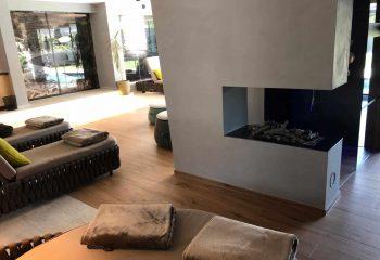 8-hotel-clara-vahrn-aussengestaltung-schwimmbad-wellness-peintner