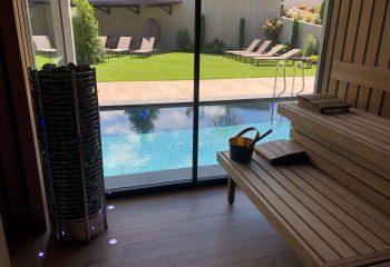 9-hotel-clara-vahrn-aussengestaltung-schwimmbad-wellness-peintner
