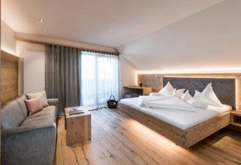hotel-gasserhof-zimmer-peintnergroup-holzboden