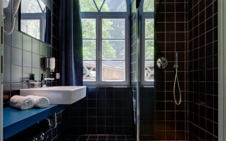 hotel-sachsenklemme-badfliesen-3