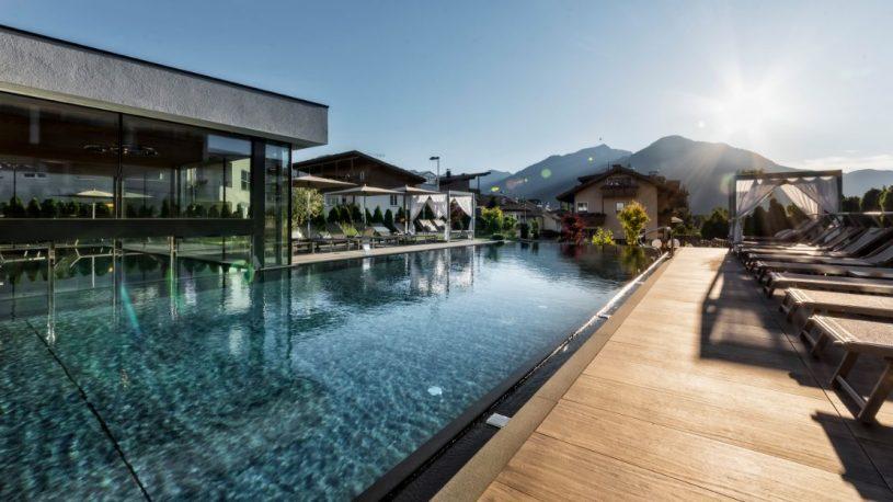 hotel-sun-peintnergroup-schwimmbad-aussengestaltung