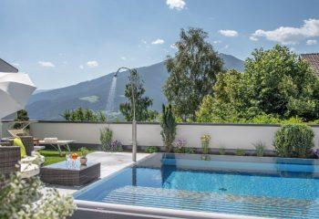 hotel-tyrol-st-andrae-poolfliesen-aussengestaltung-4