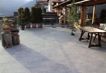 tirolerhof-terrassenfliesen-peintner-4