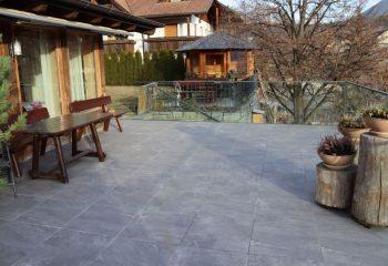 tirolerhof-terrassenfliesen-peintner-3