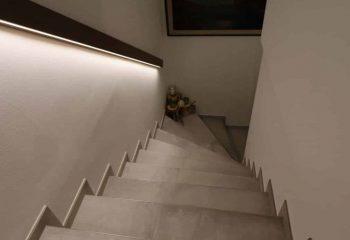 peintner-fliesen-privatwohnung-natz-treppe-2